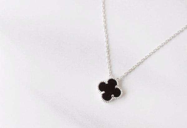 Lucky clover necklace 18k platinum plated