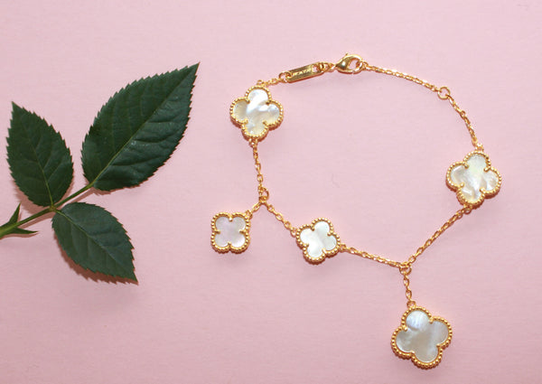 Magic lucky clover bracelet, 5 motifs