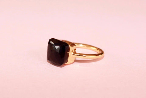 Venus ring black onyx