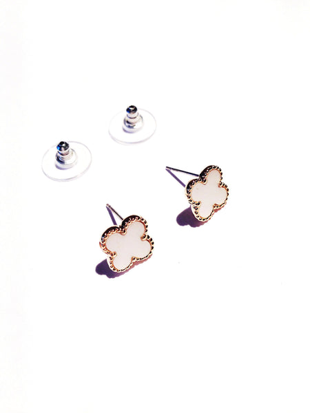 Lucky clover medium earring studs