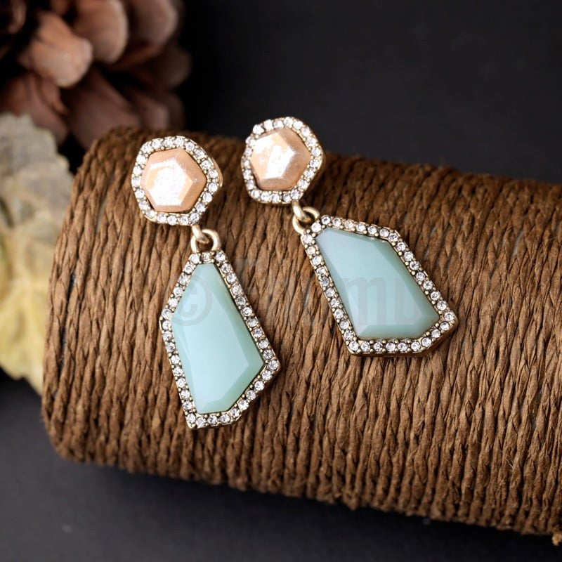 Ice Shine Stone Dangle Earrings - Enumu