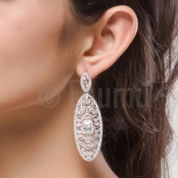 Grand Swiss Zircon Dangle Earrings - Enumu