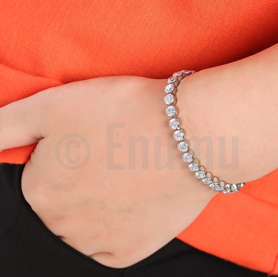 Single Line Solitaire Bracelet - Enumu  - 3