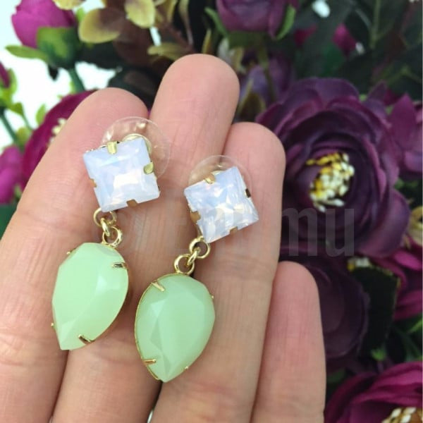 White and Light Green Drop Earrings - Enumu