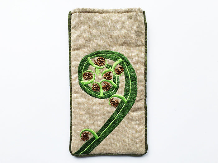 Z Frond Glasses Case on Linen