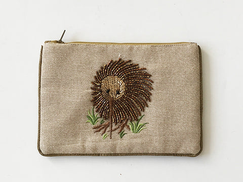 Pouch Lurex Linen w/ Beaded Kiwi