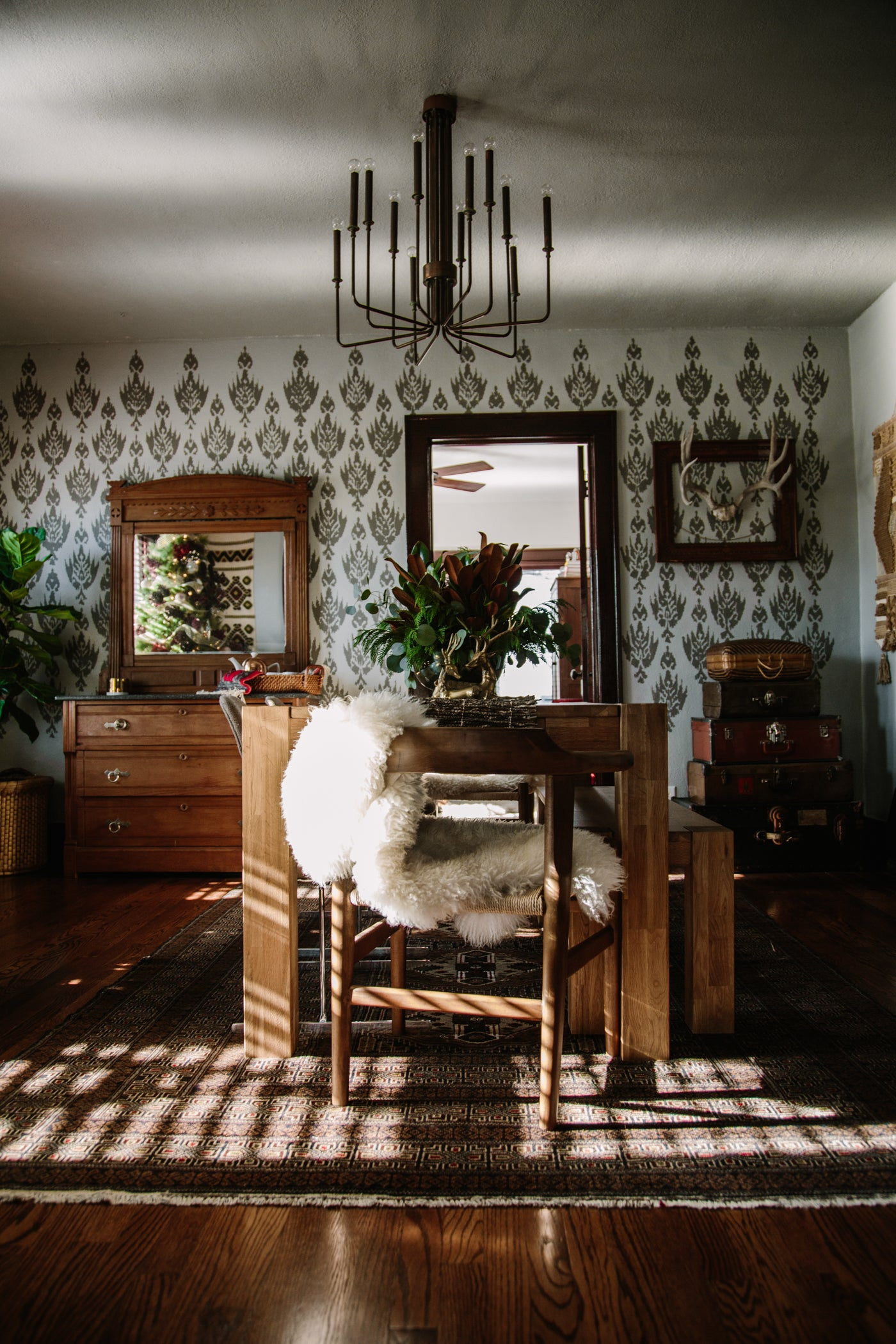 Hope Jewell Hutch Home Takeover – Hutch Modern Vintage and