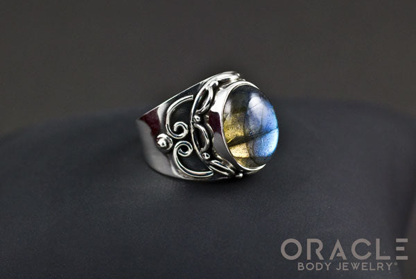 Sterling Silver ring with Labradorite Size 7