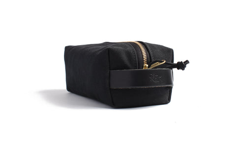 Joshu+Vela Black Dopp Kit