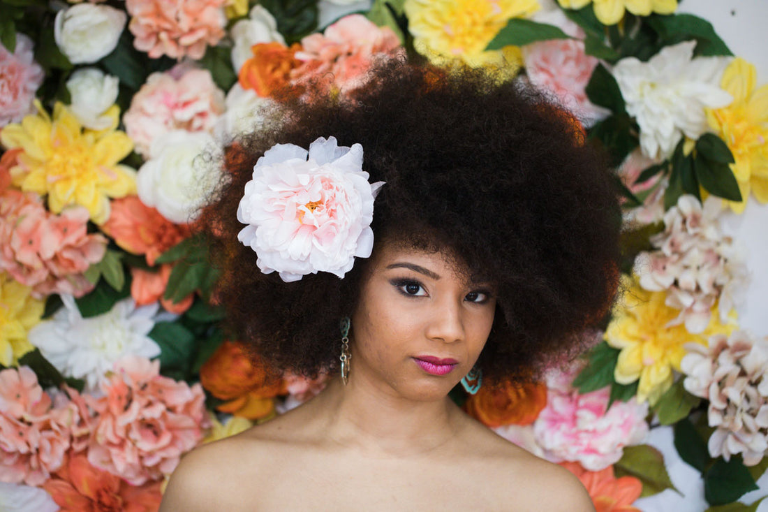 4 Ways to Dress Up Your Curls This Spring And Summer