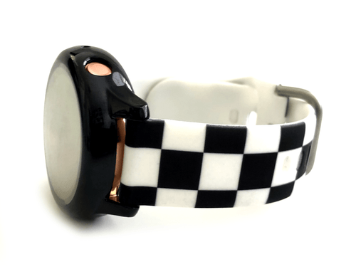 This sporty, silicone, checkered Samsung watch band is the must have band of the season! Looks great on men, women and children. This band comes in 2 widths: 20mm and 22mm. Please see listing for list of compatible watches.