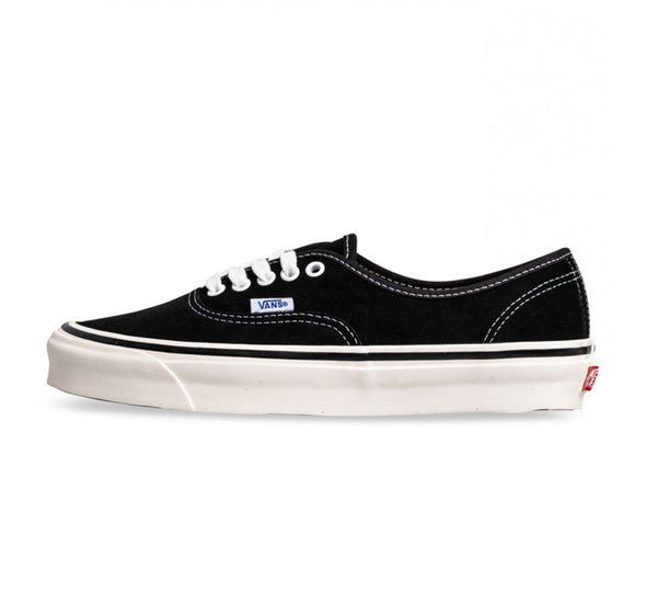 Vans Authentic 44 DX Anaheim Black Suede