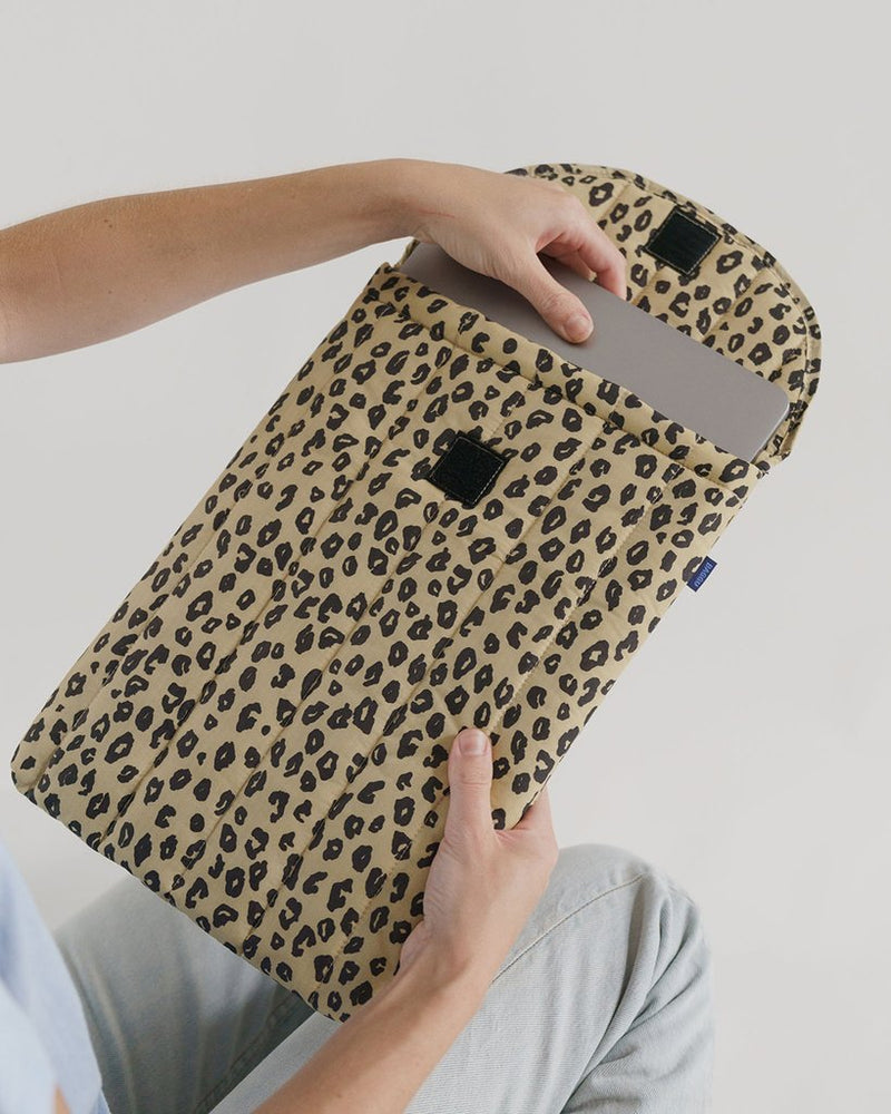 "Baggu - Puffy Laptop Sleeve 13"" - Honey Leopard"