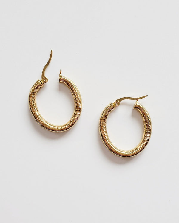 COUTUKITSCH - Adrian Hoops
