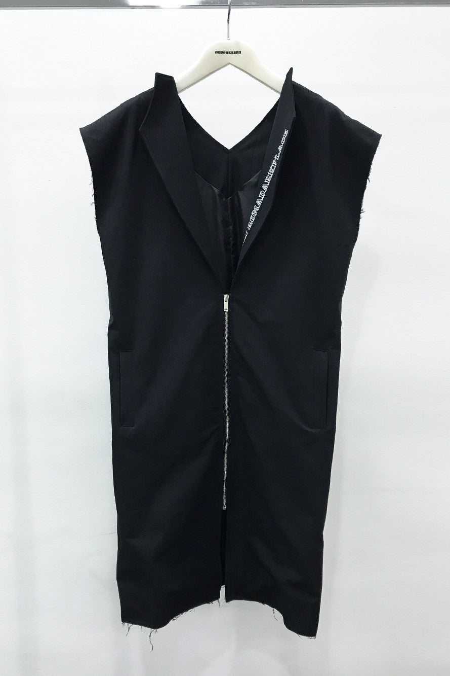 DARK PLACE LONG OUTER SLEEVELESS