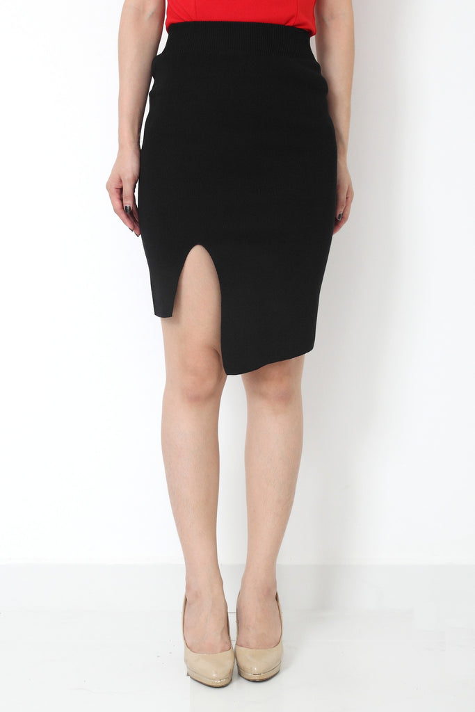 RILLA Asymmetrical Skirt Black