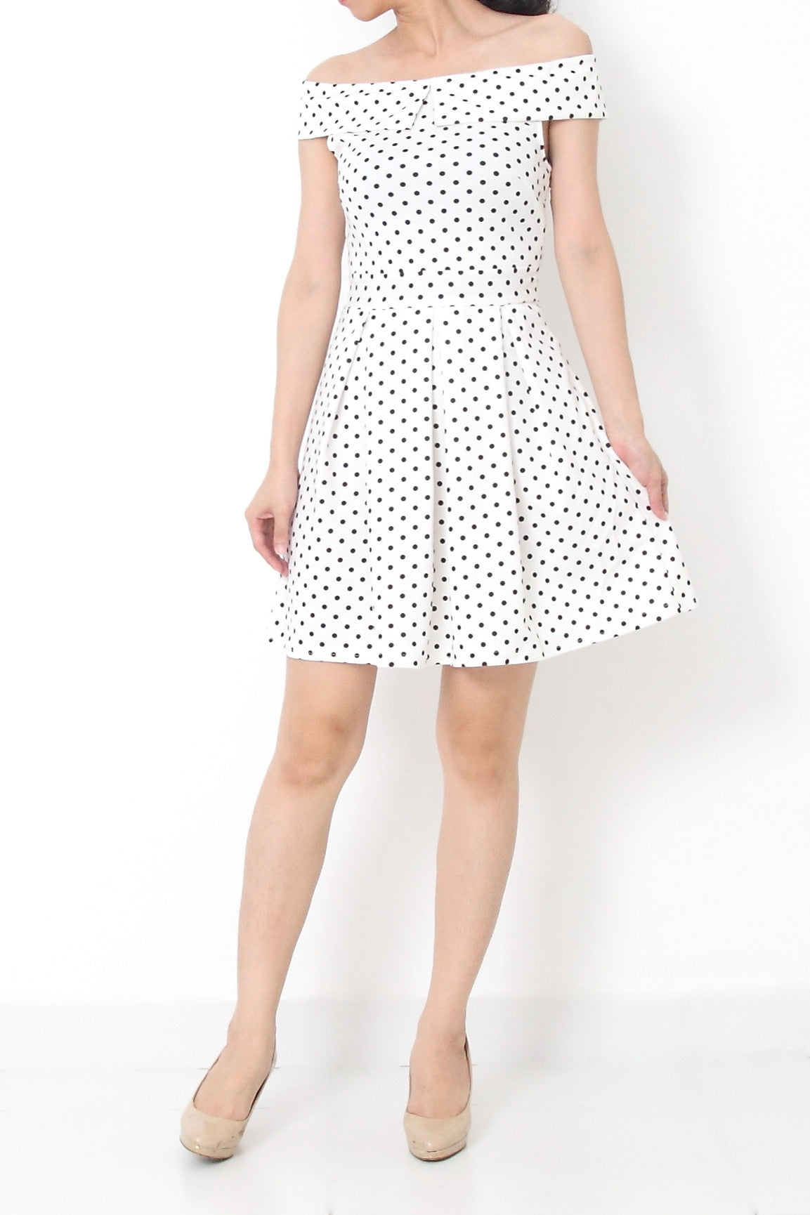 8dec4a931966 MIREILLE Polka Dots Off Shoulder Dress White – Felice Fabric