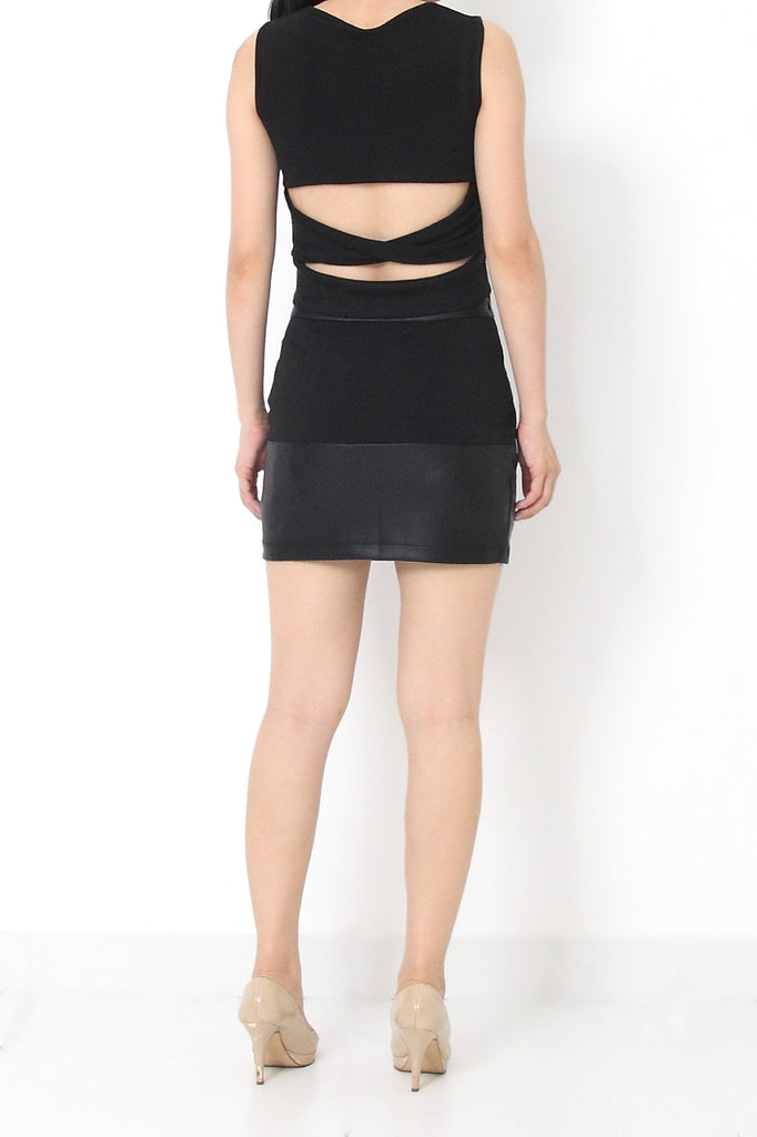 CAIT CutOut Back Top Black - S M