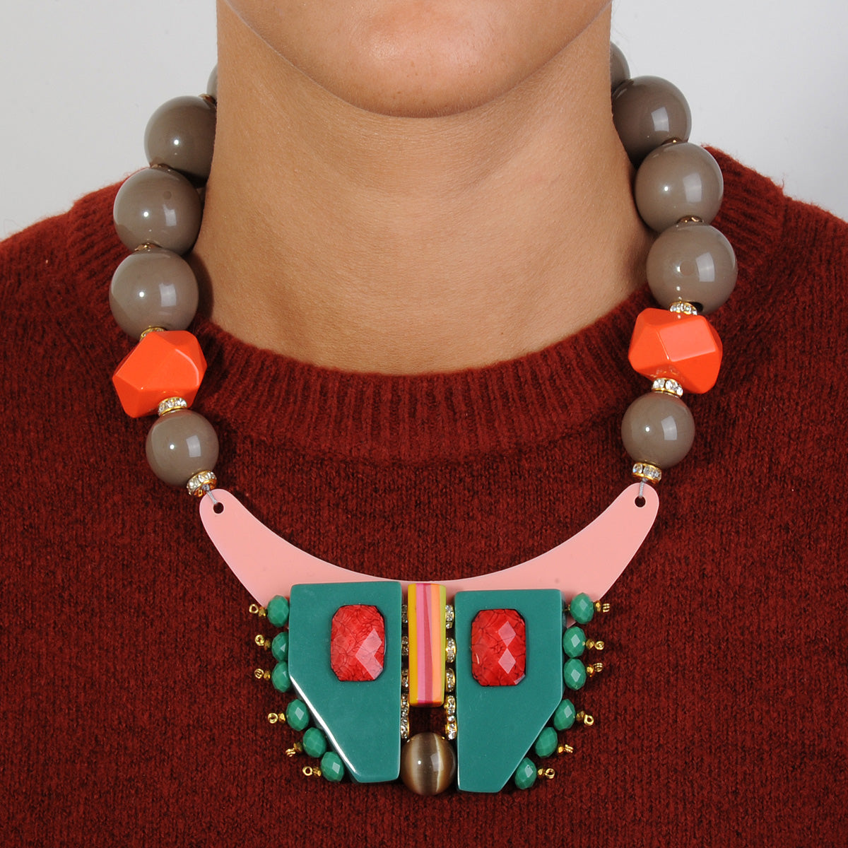 short statement necklace with multicolored resin, beige beads and green acrylic katerina psoma