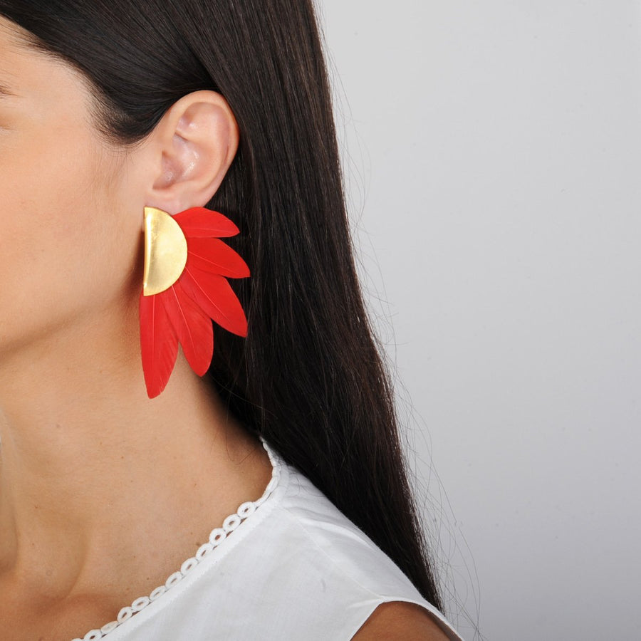 red feather clips model katerina psoma