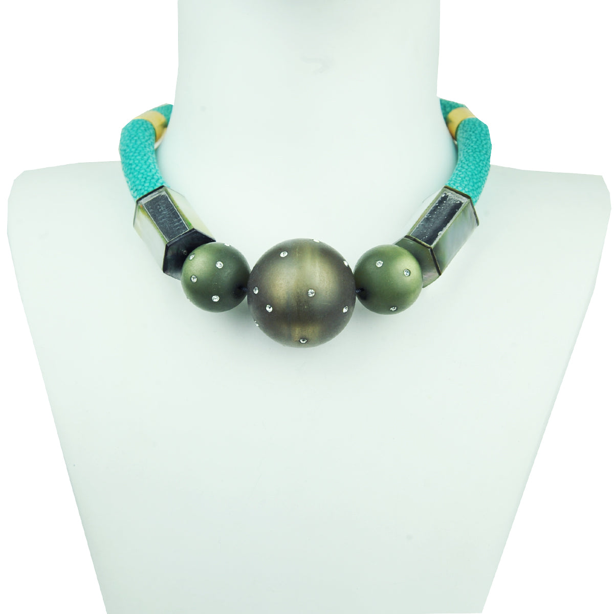 Rania Stingray and Mother of Pearl Short Necklace
