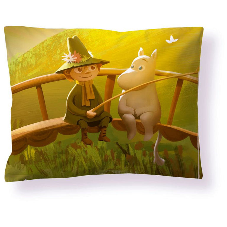 Moominvalley Spring Satin Pillowcase 50 x 60 cm - Finlayson - The Official Moomin Shop