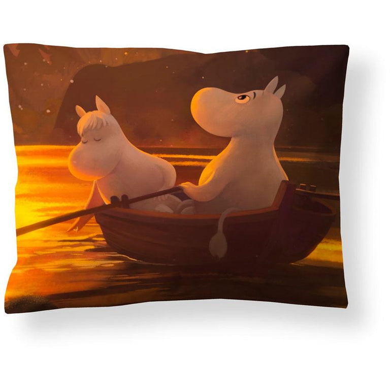 Moominvalley Autumn satin pillowcase 50 x 60 cm by Finlayson - The Official Moomin Shop