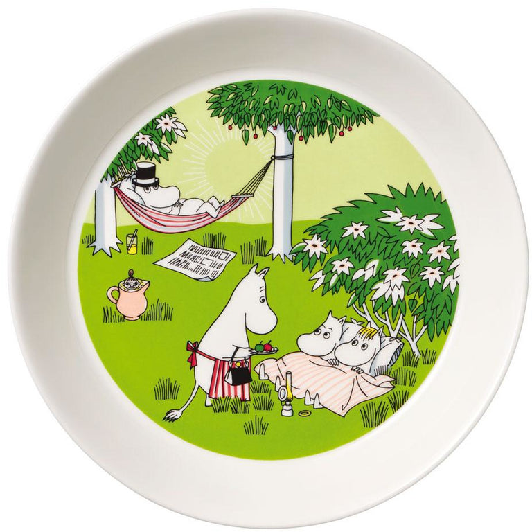"#OURSEA Moomin ""Relaxing"" Plate summer 2020 -Arabia - The Official Moomin Shop"
