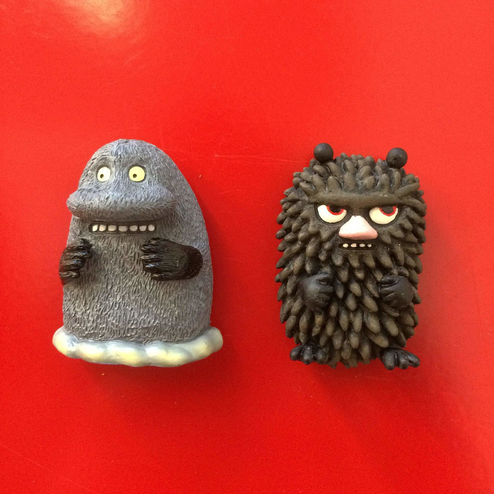 The Groke and Stinky magnets - The Official Moomin Shop