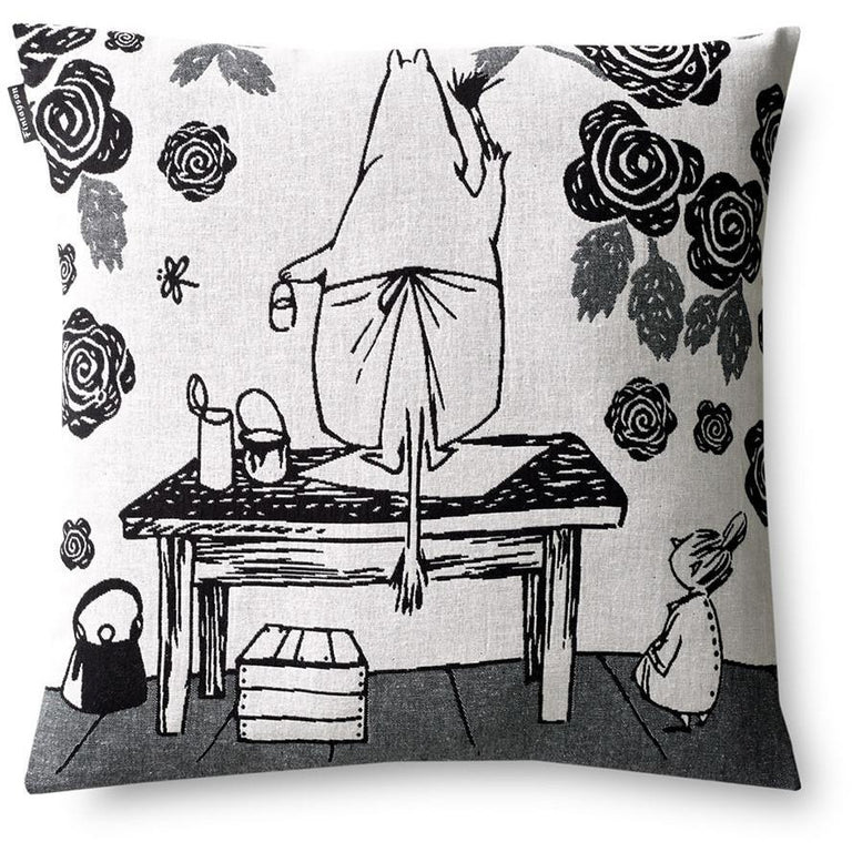 Moominmamma Rosegarden Decorative cushion cover by Finlayson - The Official Moomin Shop
