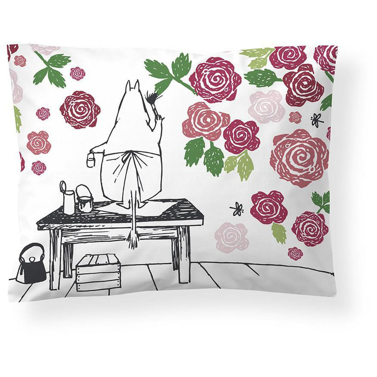 Moominmamma Rosegarden satin pillowcase 50 x 60 cm by Finlayson - The Official Moomin Shop