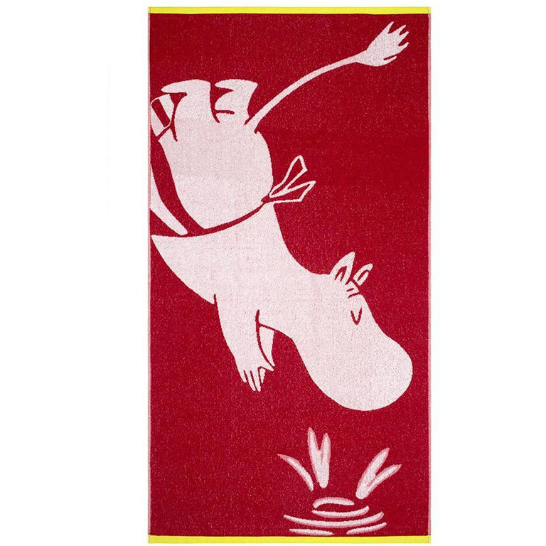 Moominmamma red bath towel 70 x 140 cm by Finlayson - The Official Moomin Shop