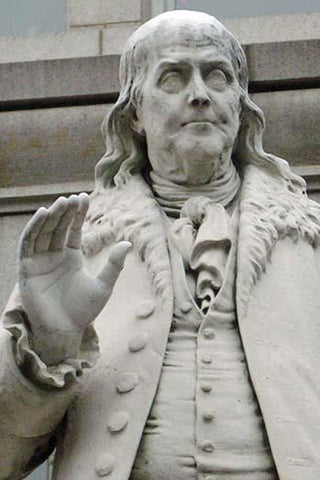 Ben Franklin statue at the Old Post Office Pavilion
