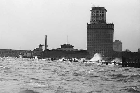 Battery in New York, Manhattan Buffeted by Ocean Waves