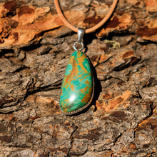 Load image into Gallery viewer, Turquoise (Royston) Cabochon and Sterling Silver Pendant (SSP 1010)
