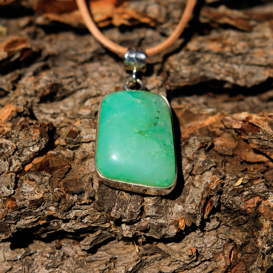 Chrysoprase Cabochon and Sterling Silver Pendant (SSP 1040)