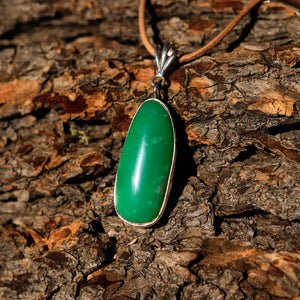 Chrysoprase Cabochon and Sterling Silver Pendant (SSP 1041)