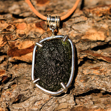 Load image into Gallery viewer, Moldavite and Sterling Silver Pendant (SSP 1047)