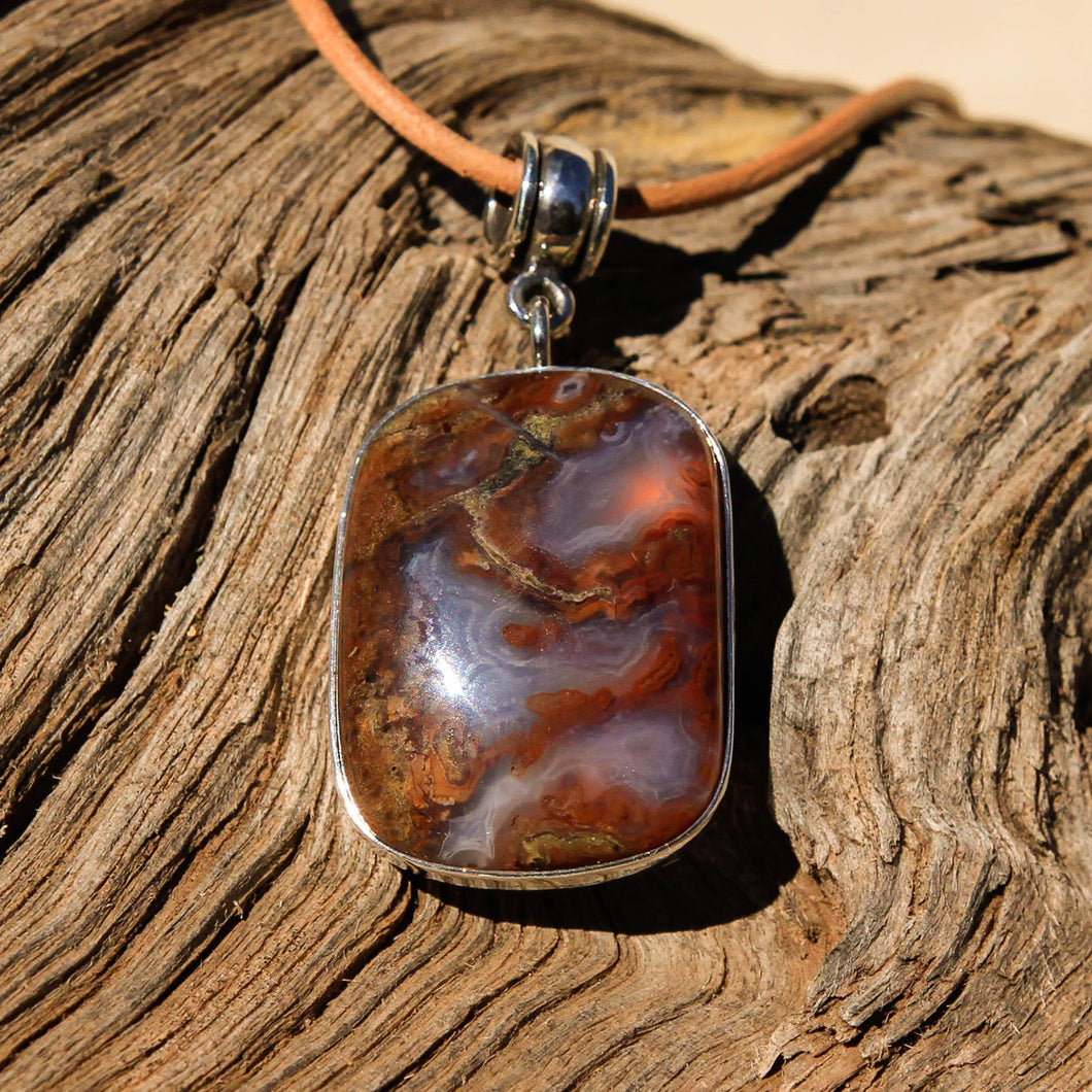 Agate (Mulligan Peak) Cabochon and Sterling Silver Pendant (SSP 1056)