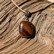 Load image into Gallery viewer, Deschutes Jasper Cabochon and Sterling Silver Pendant (SSP 1080)