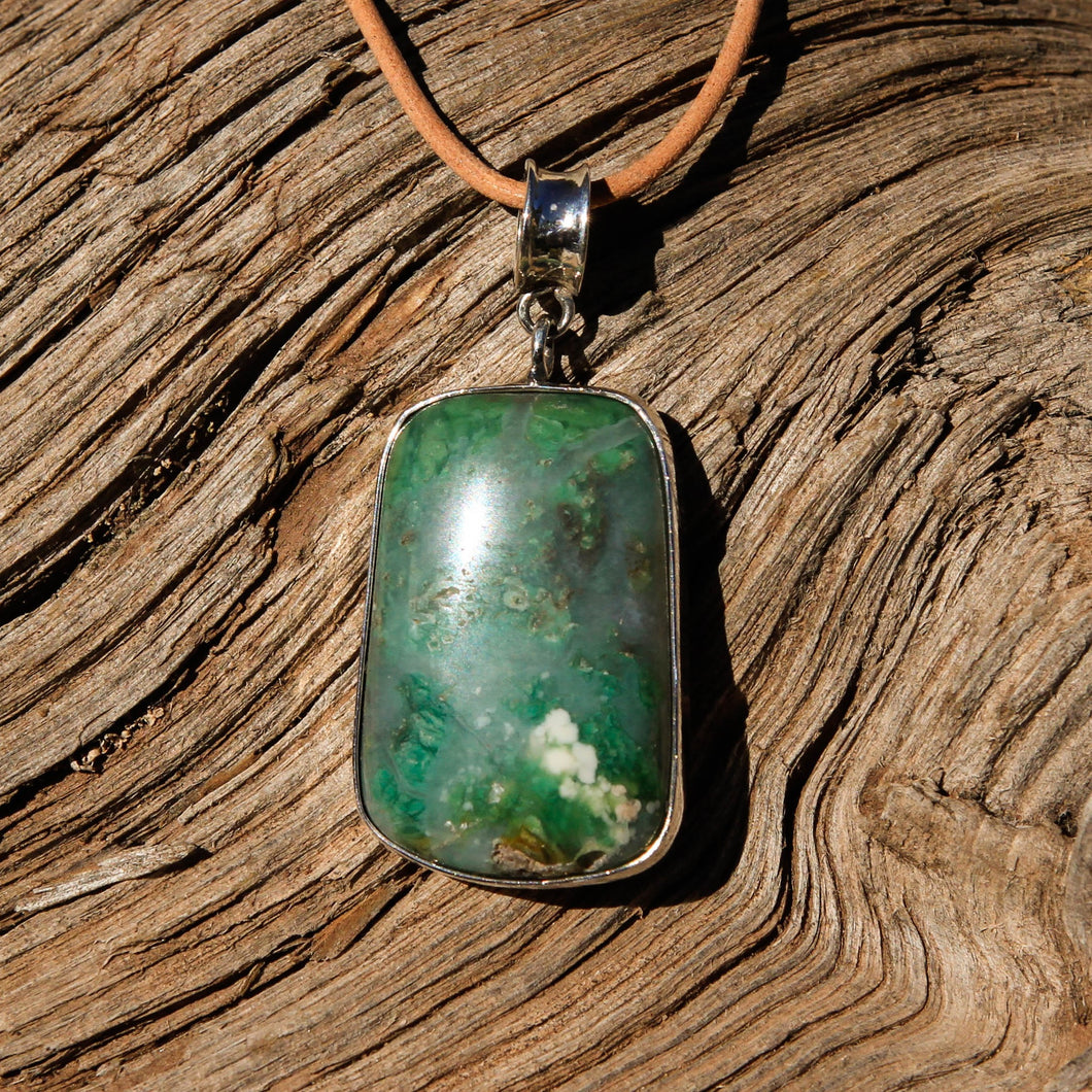 Green Tree Agate Cabochon and Sterling Silver Pendant (SSP 1121)