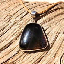 Load image into Gallery viewer, Montana Agate Cabochon and Sterling Silver Pendant (SSP 1124)