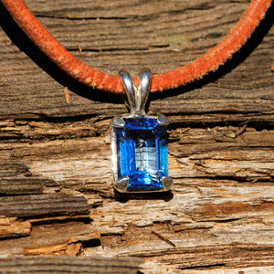 Blue Topaz and Sterling Silver Pendant (SSP 1156)