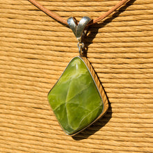 Load image into Gallery viewer, Green Serpentine (Healerite) Cabochon and Sterling Silver Pendant (SSP 1172)