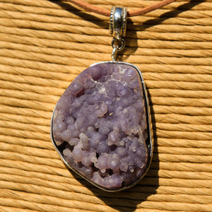 Grape Chalcedony Cabochon and Sterling Silver Pendant (SSP 1178)