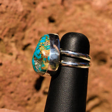 Load image into Gallery viewer, Turquoise (Kingman) Cabochon and Sterling Silver Ring (SSR 1012)
