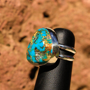 Turquoise (Kingman) Cabochon and Sterling Silver Ring (SSR 1012)
