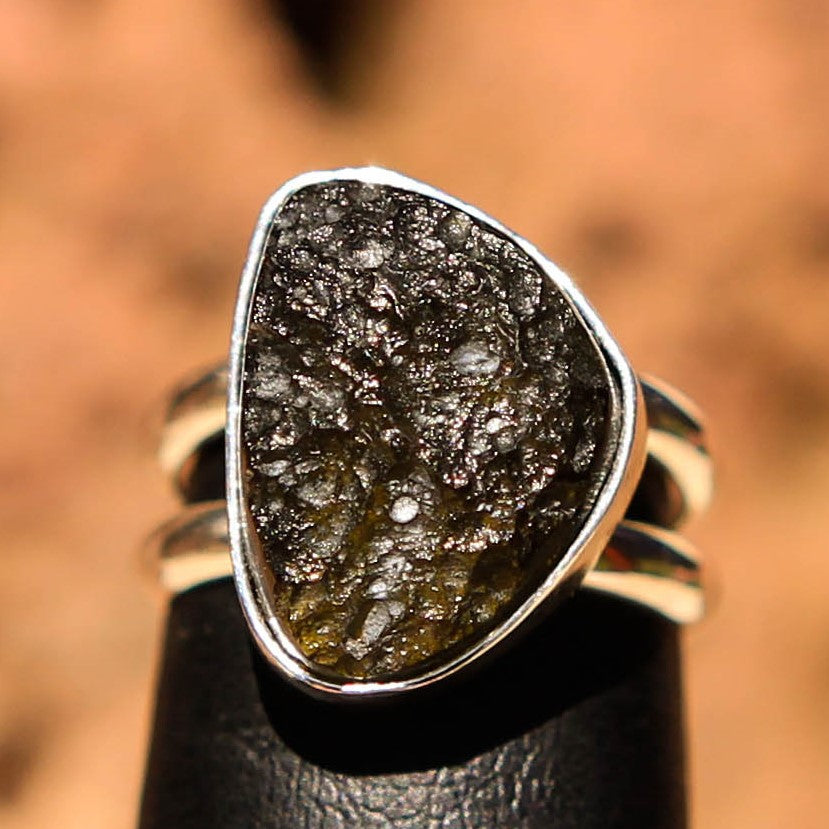 Moldavite Cabochon and Sterling Silver Ring (SSR 1022)