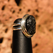 Load image into Gallery viewer, Moldavite Cabochon and Sterling Silver Ring (SSR 1023)