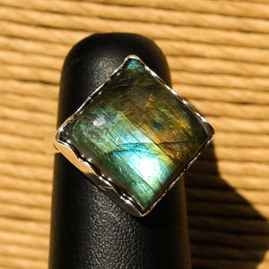 Labradorite Cabochon and Sterling Silver Ring (SSR 1035)